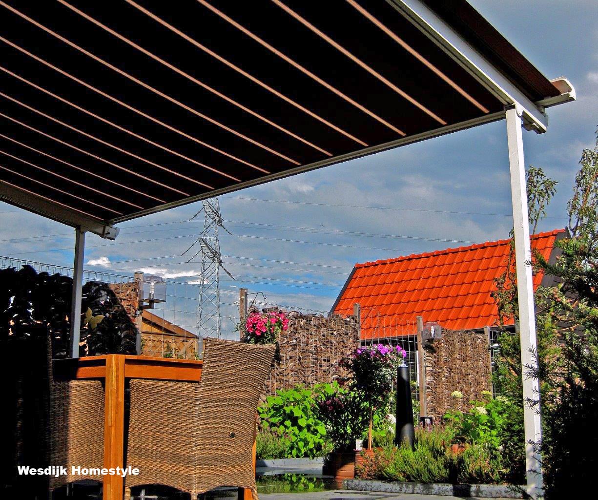 Terras zonwering doek windvaste terras zonwering - Aluminium pergola met schuifdeksel ...